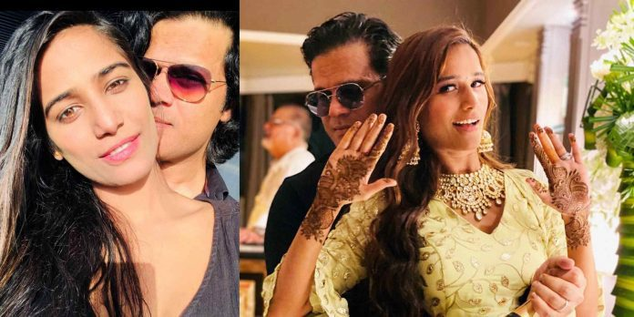 Poonam Pandey Married to Sam Bombay Pics Gone Viral