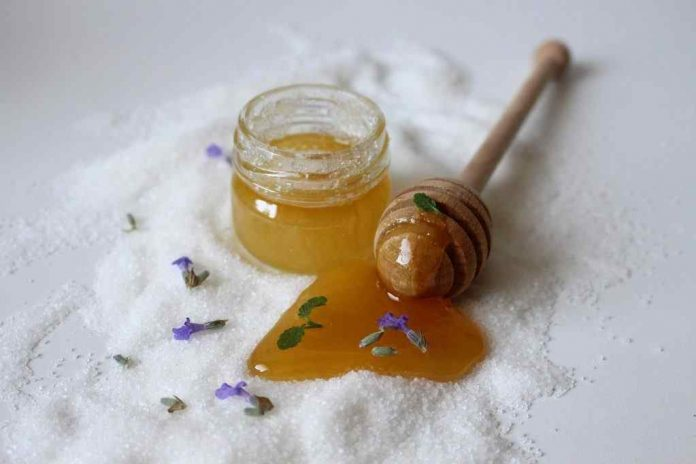 Benefits and Advantages of Using Honey in Cosmetics